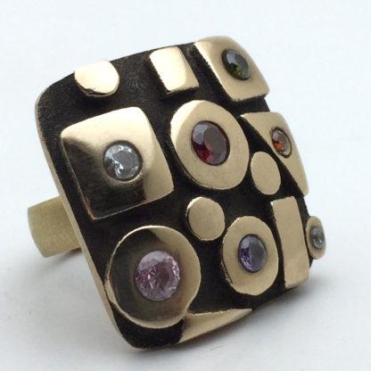 Bague bronze oxydée avec pierres de couleur